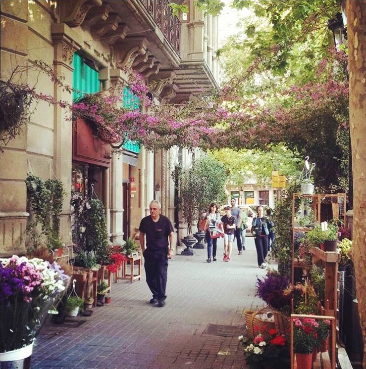 Prettiest Places to Eat in Barcelona: Carrer d'Enric Granados