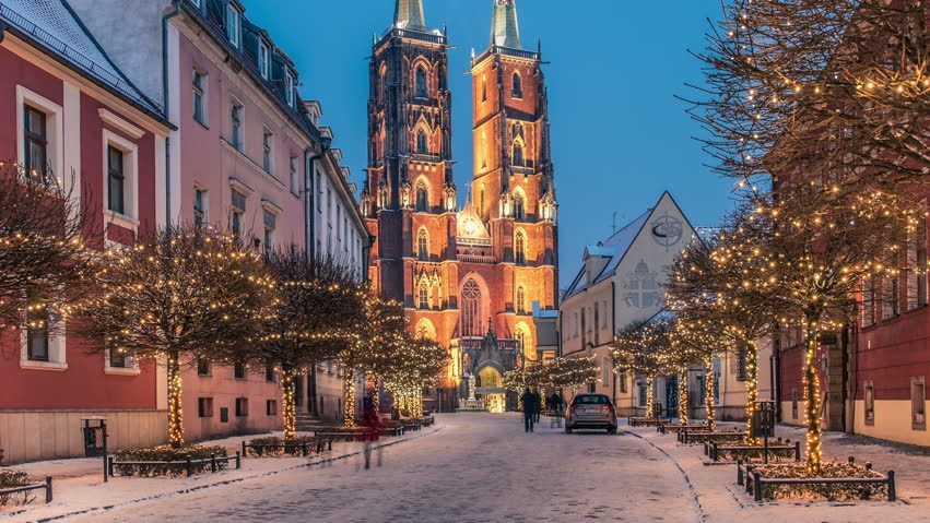 Cheap City Breaks for a Winter Getaway : Wroclaw in Poland